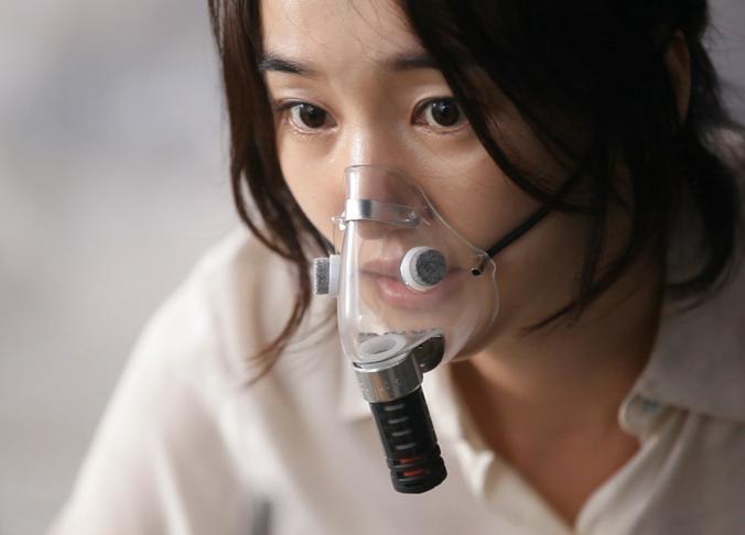 Коронавирус значительно менее заразен, чем обычный грипп / Кадр из фильма «Вирус»