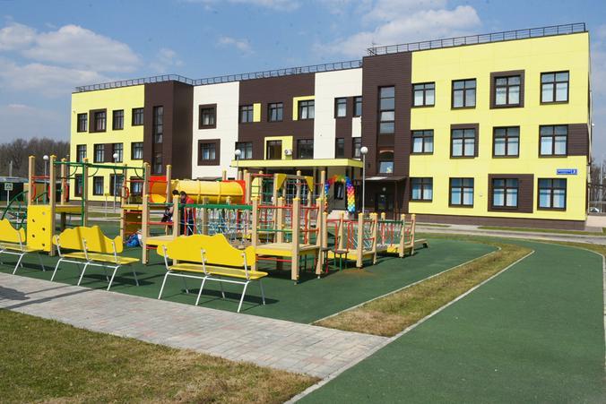 До 2035 года только детсадов в Новой Москве должно насчитываться 300, а школ — 110 / Владимир Новиков, «Вечерняя Москва»