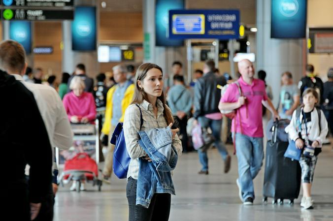 В связи со сложившейся ситуацией ряд российских авиакомпаний предлагает клиентам возможность вернуть билеты без штрафов или поменять на другие даты / Светлана Колоскова