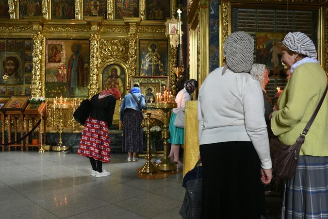 Использование молитвы и духовных упражнений для исполнения своих земных просьб говорит о низком духовном уровне человека / Пелагия Замятина, «Вечерняя Москва»
