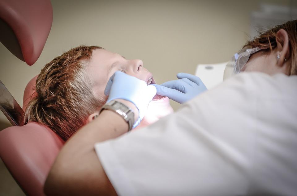 Власти Подмосковья закрыли стоматологические кабинеты