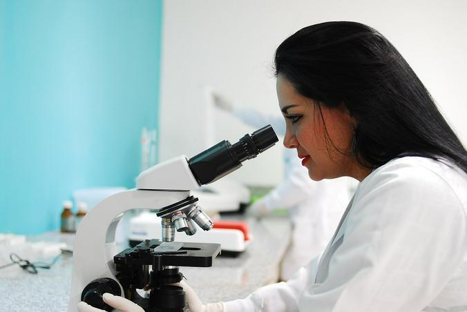 От «врача» довольно сложно образовать феминитив, «врачка» звучит не очень благозвучно, отмечают эксперты / https://pixabay.com/ru/