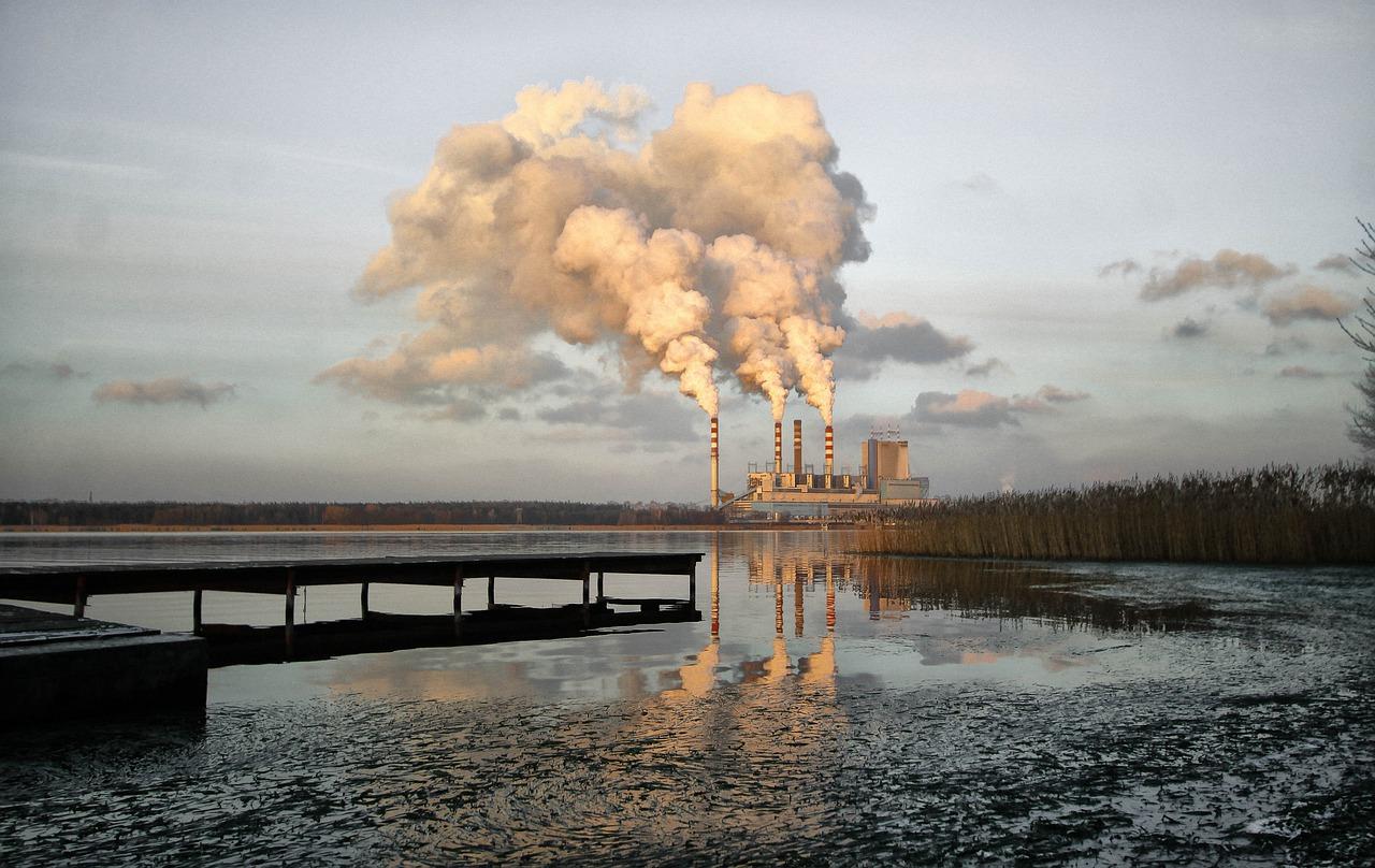 Картинки загрязнение рек заводами