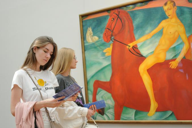 В московских музеях преобладает чувство благоговения перед высоким искусством / Светлана Колоскова, «Вечерняя Москва»