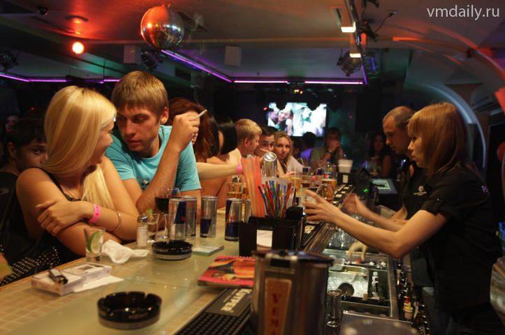 В ночном клубе изнасиловали девушку миражи клуб москва