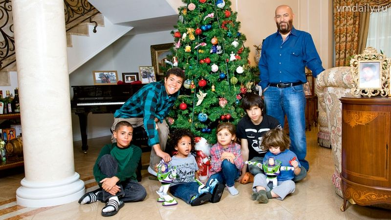 семья михаила шуфутинского фото звезд выглядит как