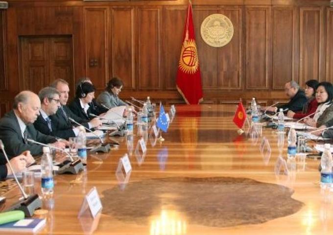 В Киргизии снова неспокойно / Официальный сайт парламента Киргизии