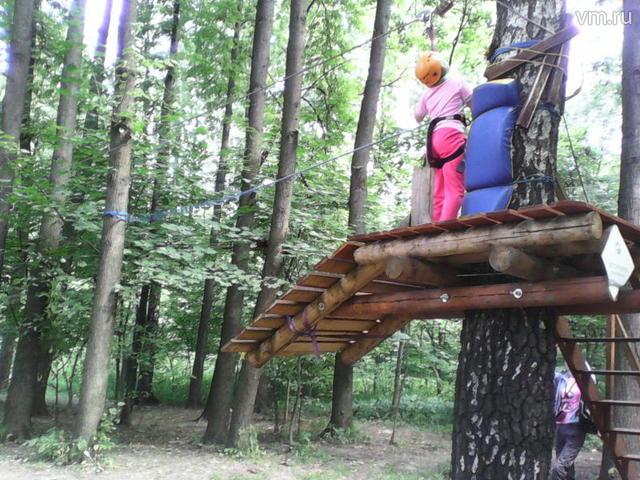 Маленькие гости столичного парка «Измайлово» могли бесплатно пройти один из маршрутов веревочного «Панда-парка» / Алена Глазкова