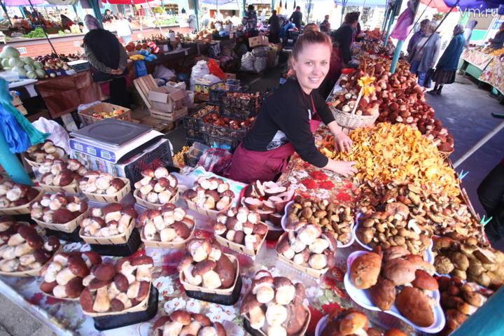 Вот так шикарно выглядит грибной развал Преображенского рынка / Антон Гердо