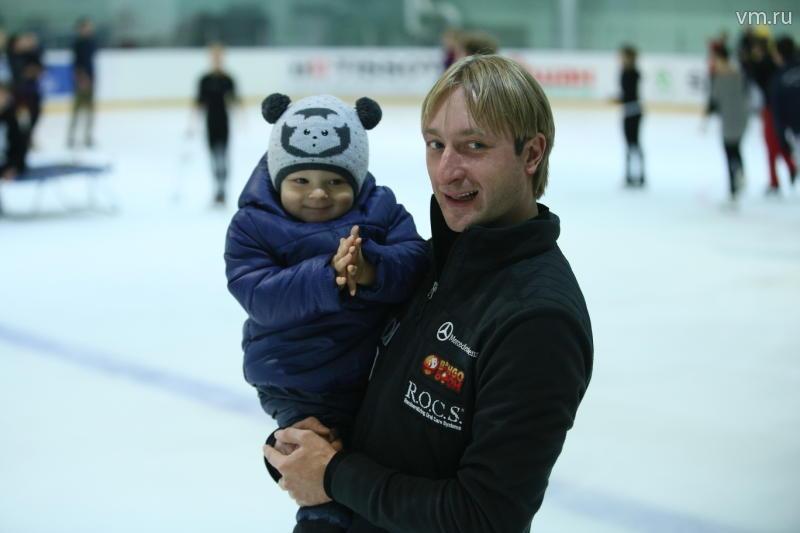 Плющенко опубликовал фото с Рудковской после слухов о расставании