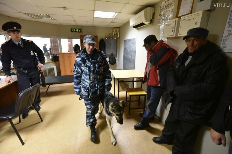 Пассажиров Ладожского вокзала эвакуировали из-за бесхозной сумочки