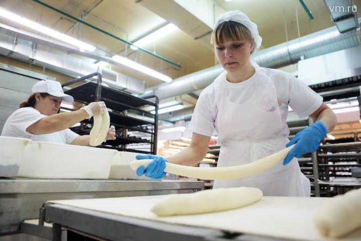 """С давних времен существовала традиция печь на Благовещение хлебные косички / Анна Иванцова, """"Вечерняя Москва"""""""