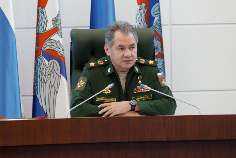 Сергей Шойгу заявил, что и впредь не будет оставлять без внимания инциденты, подобные произошедшей в Сирии трагедии с военным самолетом Су-24. / Управление пресс-службы и информации МО РФ