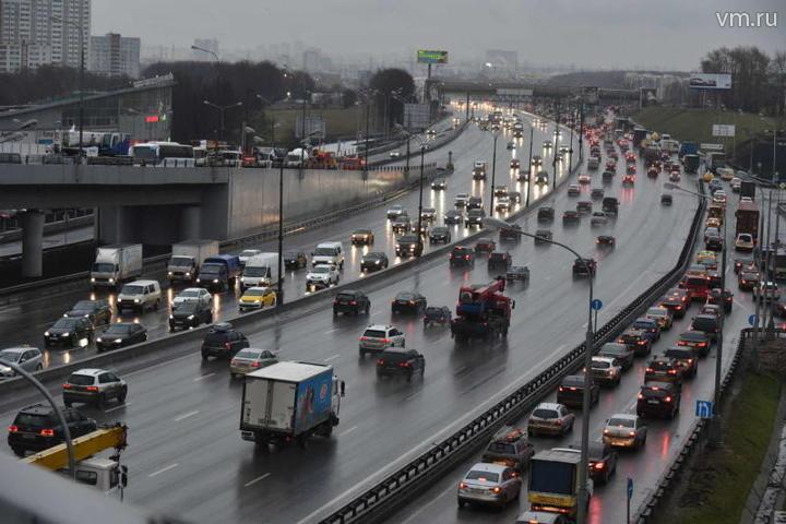 Московских автомобилистов предупредили о сильном тумане