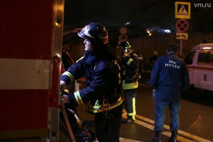 Сотрудники МЧС ликвидировали пожар на северо-западе Москвы