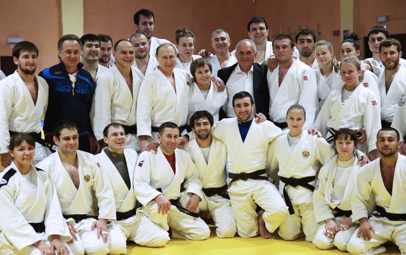 Международная федерация дзюдо (IJF) подтвердила, что комиссия МОК допустила в полном составе сборную России до участия в Играх / тасс