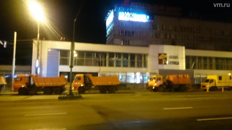 На проспекте Вернадского уже все готово к началу работ по сносу незаконных построек. / Михаил Абрамычев