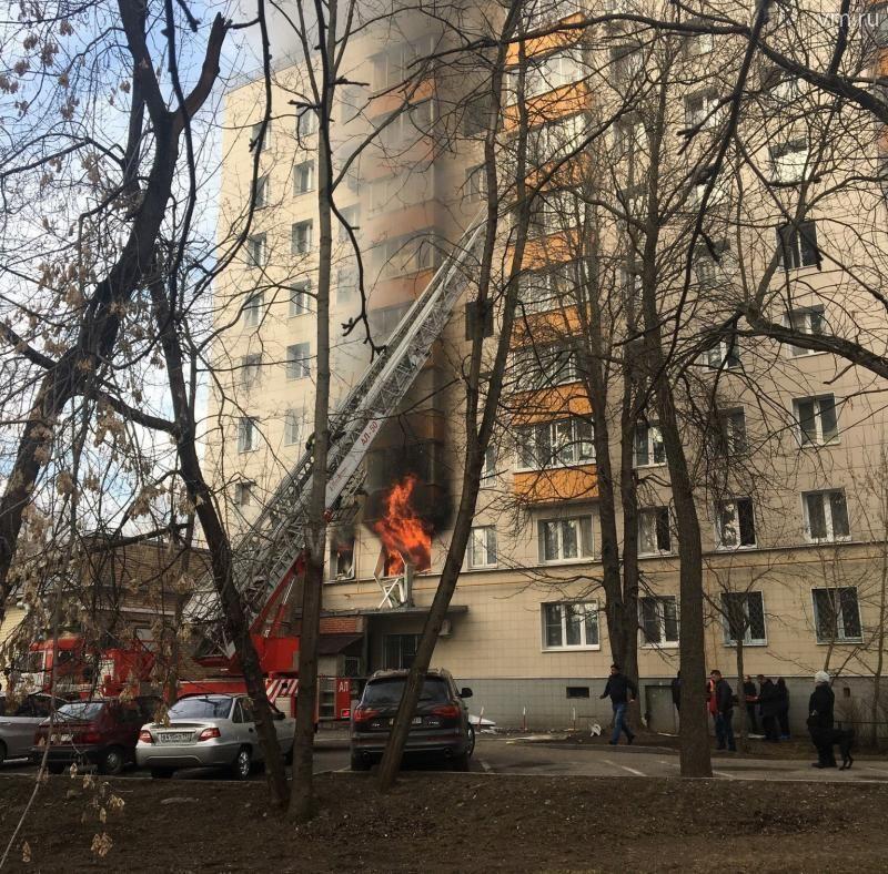 """Причиной пожара стал прорыв газовой трубы в одной из квартир / Анна Царькова, """"Вечерняя Москва"""""""