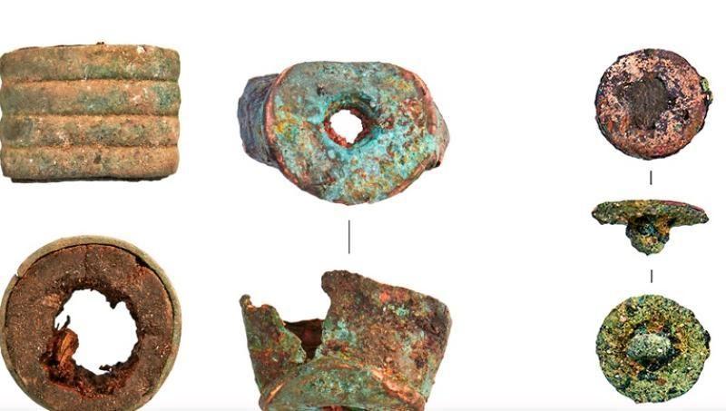 В ходе археологического мониторинга на бульварах обнаружили множество мелких бытовых предметов, остатков посуды, обуви и одежды / mos.ru