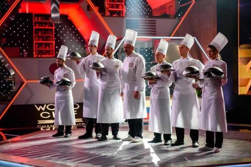 Основная интрига фильма закручена вокруг международного турнира шеф-поваров / Централ Партнершип