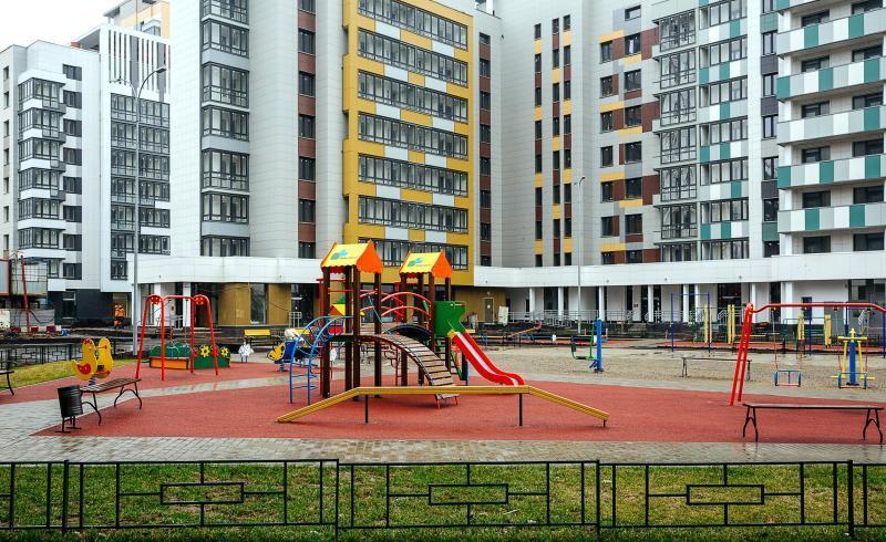 Дворы и территорию вокруг новостроек благоустроят / mos.ru