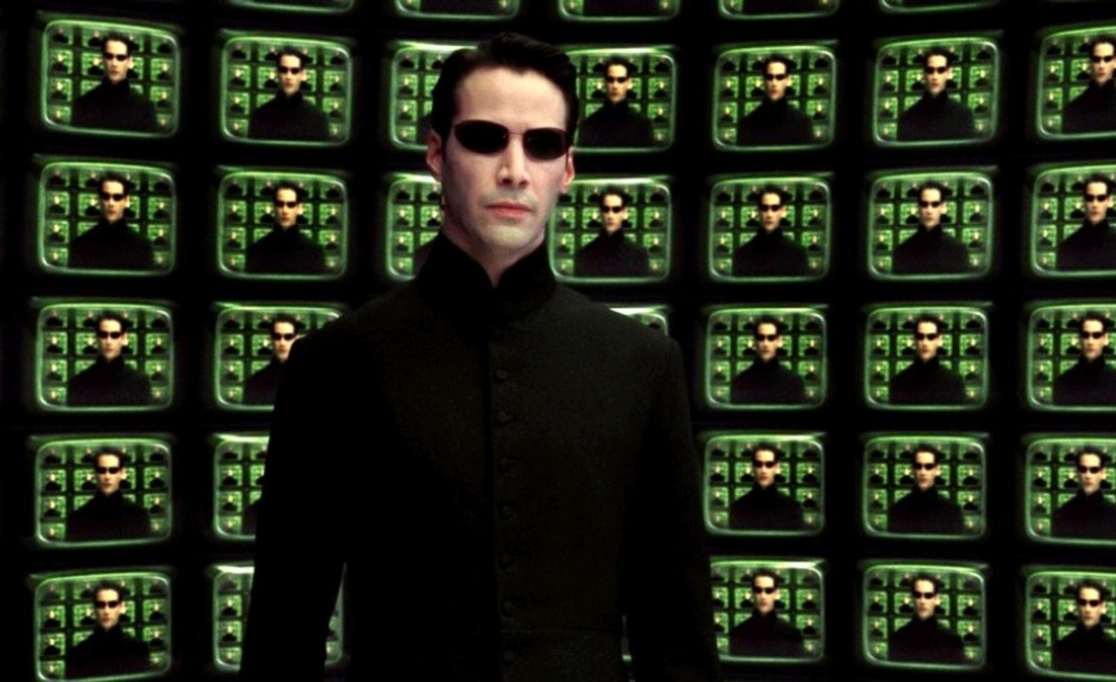 """Программист также отметил, что теперь можетнаписать в своем резюме, что случайно остановил международную кибератаку / Кадр из фильма """"Матрица: Перезагрузка"""""""