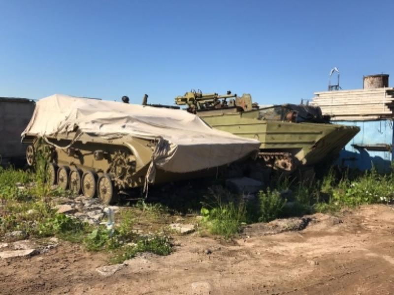 Также на территории промзоныбыла найдена боевая машина десанта без государственных номеров / Пресс-служба УВД по ТиНАО