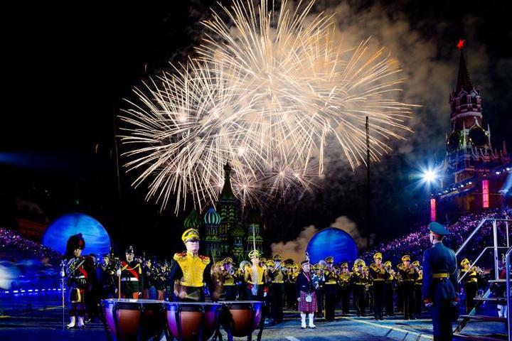 Помимо Красной площади российские и зарубежные коллективы выступали на вокзалах, парках и в садах Москвы / Пресс-служба Х Международного военно-музыкального фестиваля «Спасская Башня»