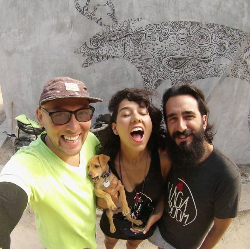 Денис (слева) с Демисом и его возлюбленной Нэнси /  фото из личного архива Дениса Хмеля