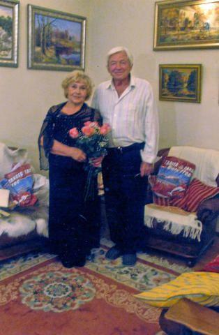 А этот снимок супругов Анны Кирилловны и Виктора Константиновича Воробьевых сделан через 50 лет, в 2016 году / Из личного архива семьи