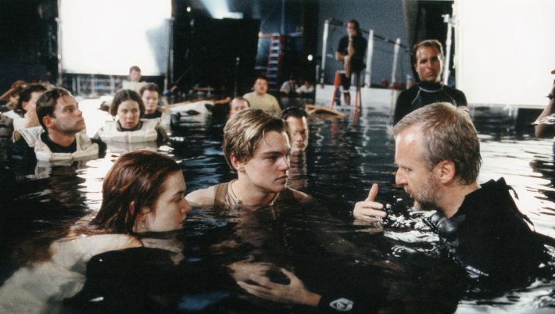 Джеймс Кэмерон, Леонардо ДиКаприо и Кейт Уинслет на съемках фильма «Титаник»