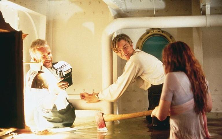 Джеймс Кэмерон, Леонардо ДиКаприо и Кейт Уинслет на съемках фильма «Титаник» / kinopoisk.ru