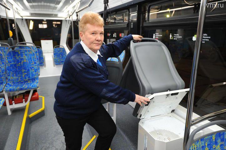 """В этот контейнер загружается песок, которым водитель, нажав кнопку в кабине трамвая, может посыпать рельсы / Светлана Колоскова, """"Вечерняя Москва"""""""