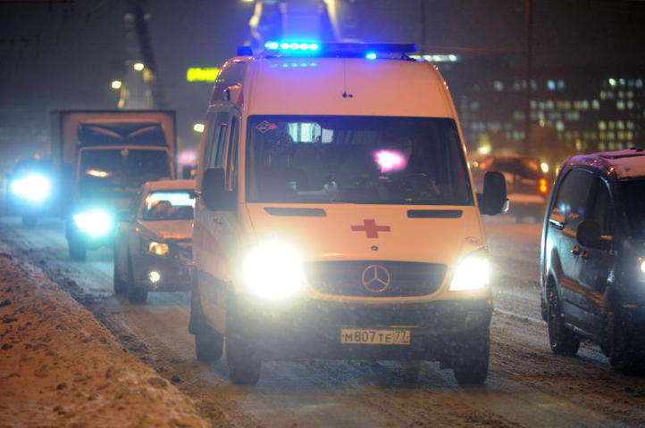 Трое детей провалились под лед на озере в Башкирии