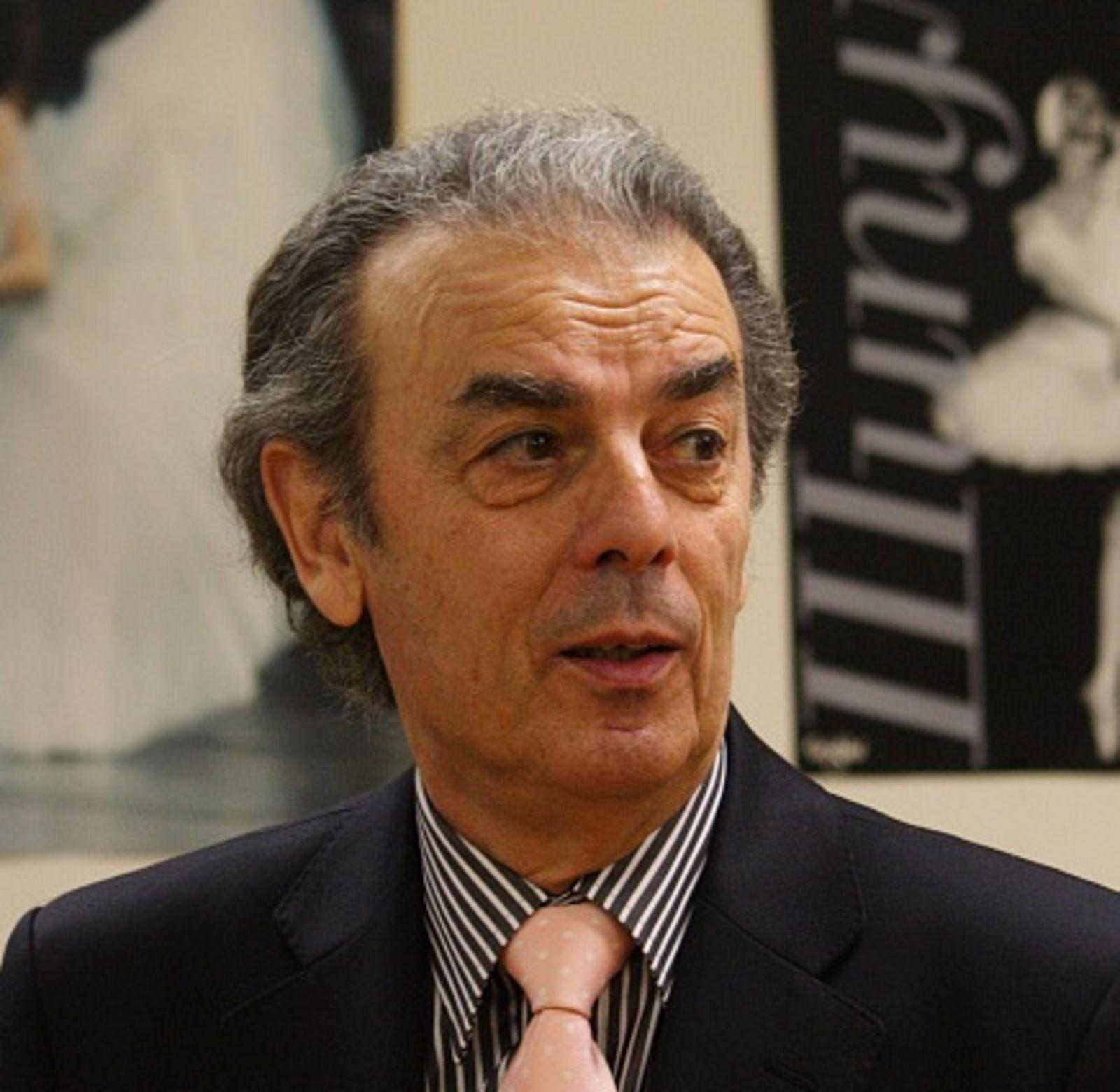 Зураб Сахокия руководил балетной труппой театра с 1987 года