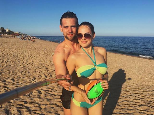 Анастасия Брызгалова и Александр Крушельницкий на отдыхе в Испании / instagram.com/a_nastasia92