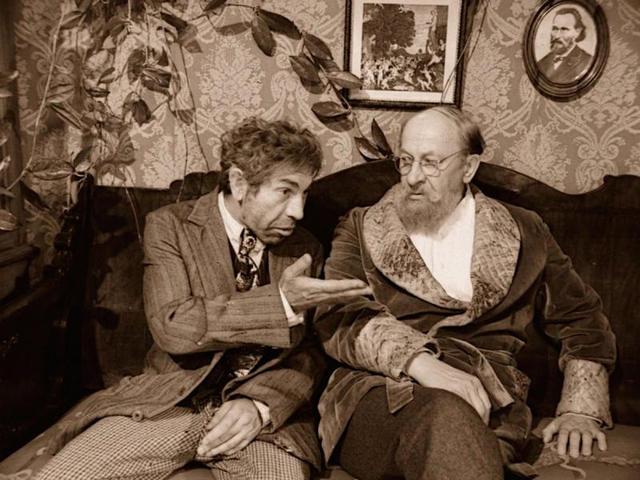 """В.Толоконников (слева) и Е.Евстигнеев / Кадр из фильма """"Собачье сердце"""""""