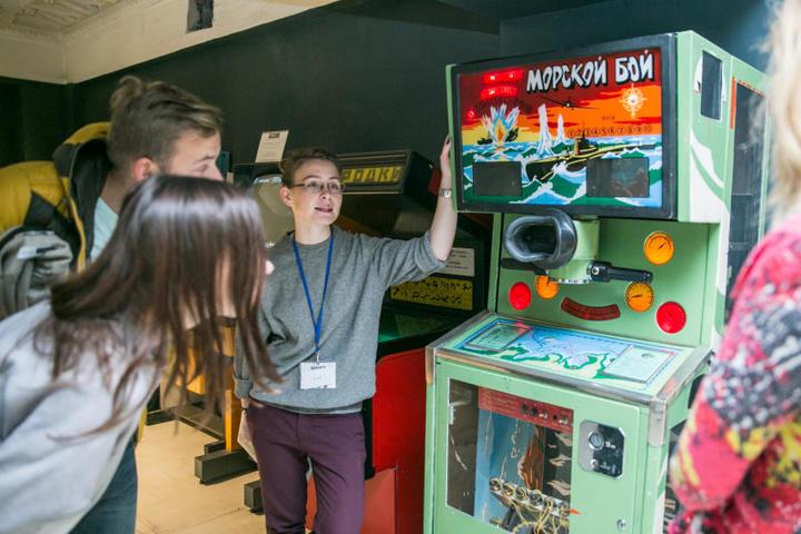 На фото: автомат «Морской бой»