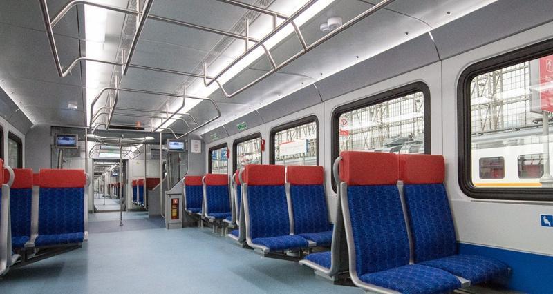 Пассажирские салоны оборудованы системами обеспечения постоянного микроклимата и обеззараживания воздуха / mos.ru