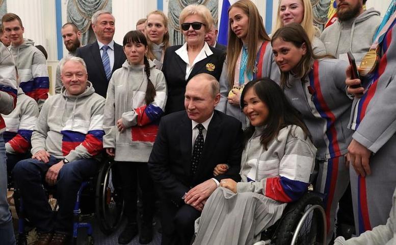 Президент России Владимир Путиноценил способность российских атлетов «заряжать» других своей целеустремленностью / kremlin.ru