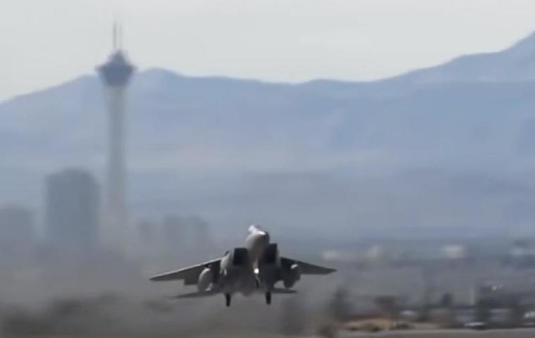 СМИ: В результате авиаудара коалиции США по провинции Дейр-эз-Зор погибли восемь человек