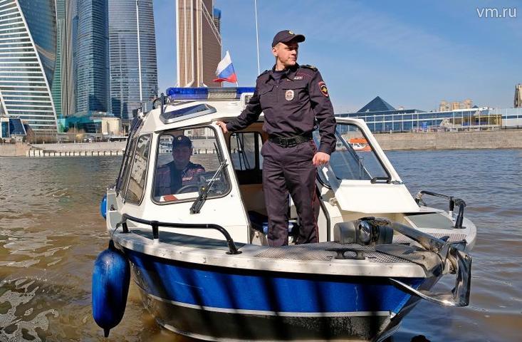 Скоростные катера полиции вышли на водный патруль