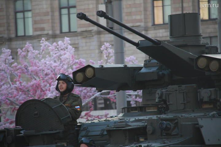 Проход военной техники на репетицию парада по Триумфальной площади / Павел Волков