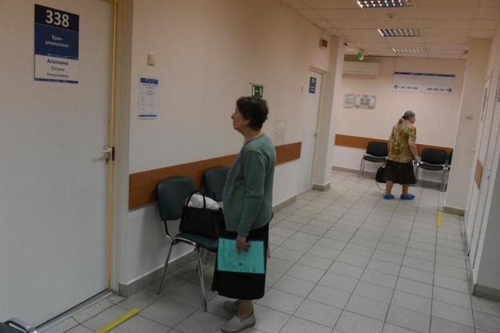 """78 процентов патронажных пациентов – это женщины, страдающие тяжелыми неизлечимыми хроническими заболеваниями / Владимир Новиков, """"Вечерняя Москва"""""""