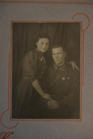 1943 год. Алексей Рапота со своей женойТатьяной / Из личного архива Алексея Никифоровича Рапоты
