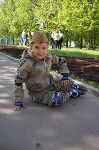 """А поколение совсем маленьких радуется Победе и считает этот день своим праздником / Екатерина Рощина для """"Вечерней Москвы"""""""