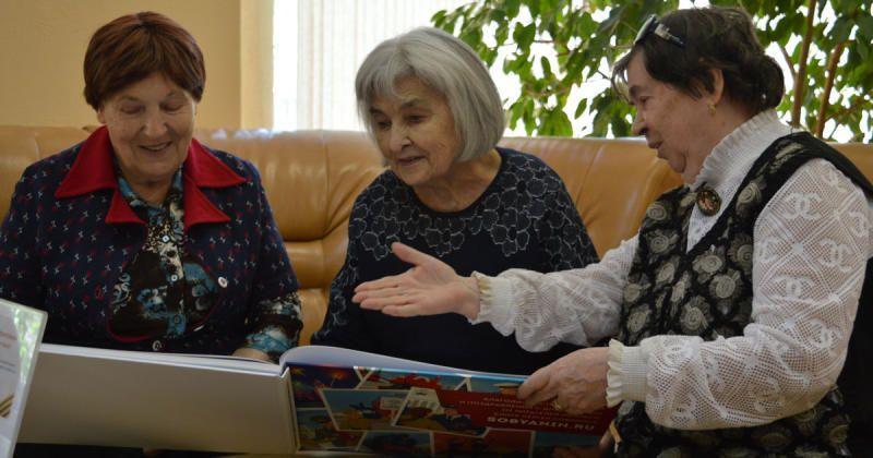 Сергей Собянин назвал раздачу поздравительных открыток акцией добра / sobyanin.ru