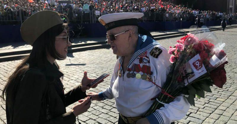 Открытки от волонтеров получили более пяти тысяч фронтовиков и тружеников тыла / sobyanin.ru