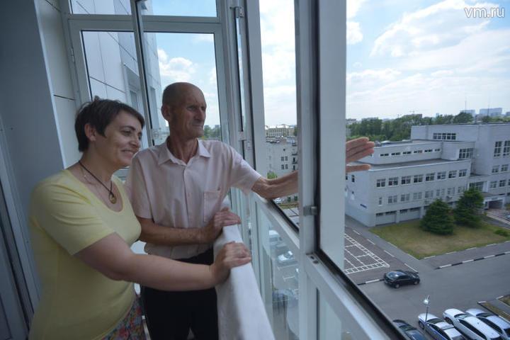 Жители пятиэтажки на Судоходной улице переехали в новый дом по реновации