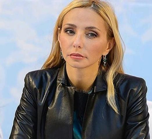 Татьяна Навка прокатилась с Дмитрием Песковым наконьках